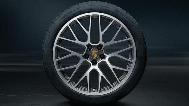 Porsche Macan Tire