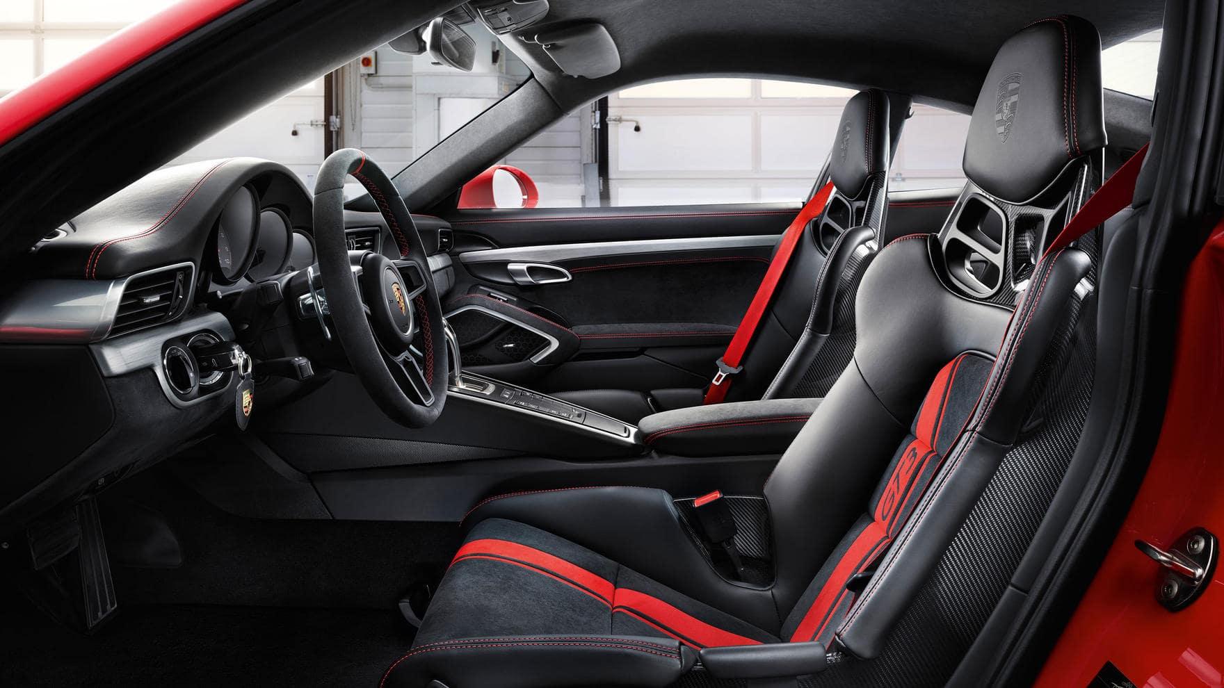 911 GT3 cabin
