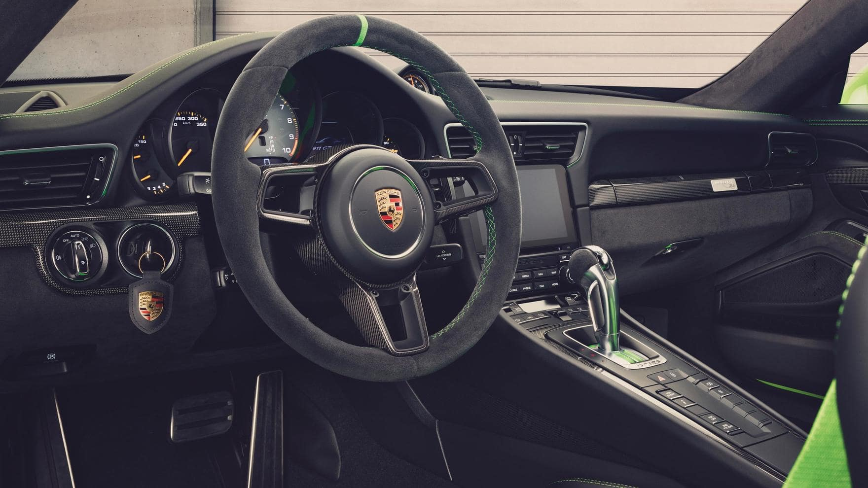 911 GT3 RS steering wheel