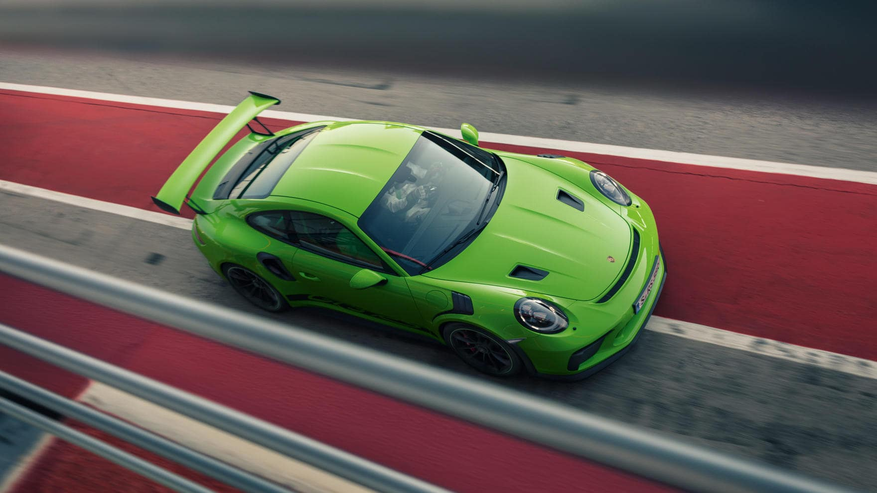 911 GT3 RS on the track