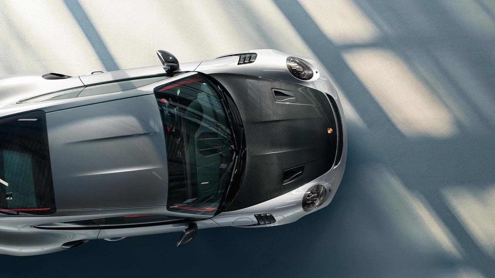 Porsche 911 GT2 RS hood