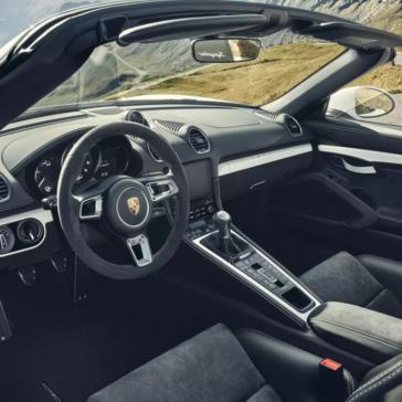 Porsche 718 Spyder Interior