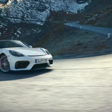 2021 Porsche 718 Spyder Side